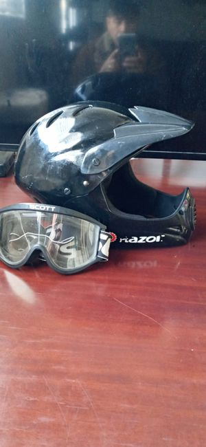 Helmet...Razor.. Youth XL. Excellent. for Sale in Santa Ana, CA