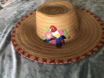 DISNEY TIKI STRAW HAT !!!! for Sale in Rowland Heights,  CA