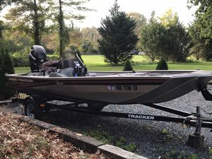 2012 Tracker Bass boat and trailer for Sale in Saint Michaels, MD