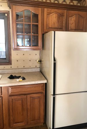 Wooden Kitchen cabinets in great condition for Sale in Des Plaines, IL