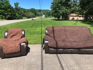 free sofa and chair Franklin Tennessee for Sale in Franklin, TN