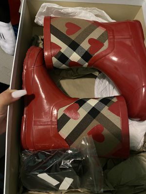 Burberry Little Girl Rain Boots for Sale in Berwyn, IL