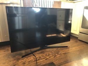 Samsung 48 inch Un48j5200 LED television tv 2 years old excellent condition with remote for Sale in Coventry, CT