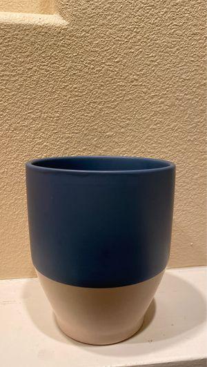 Ceramic Plant Pot for Sale in Longwood, FL