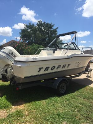 1996 Bayliner trophy 21 FT 200 HP Johnson ocean runner very low hours for Sale in Houston, TX