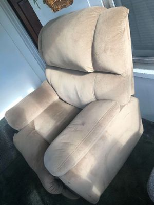 Chair left for Sale in Saginaw, MI