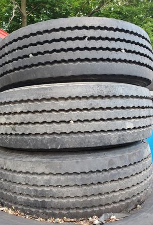 235....75.R17.5 tires for Sale in Chicago, IL