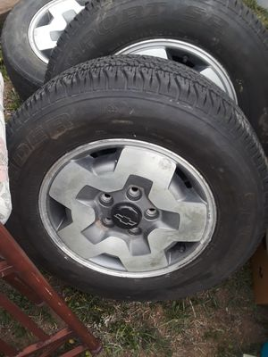 5 lug Chevy blazer 2 of them r brand new good shape and the other 2 r ran a bit would like 220 or best offer for Sale in Denver, CO