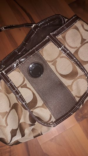 Coach purse, slightly worn on straps.... for Sale in Silsbee, TX