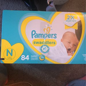 Pampers Newborn Diapers for Sale in Federal Way, WA
