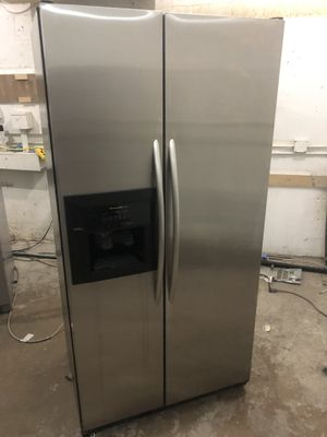 "Kitchen Aid 36"" Fridge Nevera Refrigerador Refrigerator stainless steel Counter size. good Conditions. Warranty for Sale in Miami, FL"