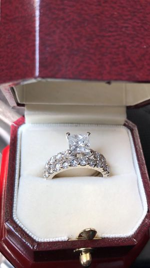 Princess cut lady's diamond / engagement / wedding ring for Sale in Alexandria, VA