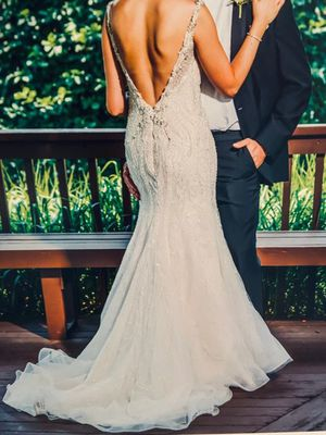 Wedding dress size 2 for Sale in Schaumburg, IL