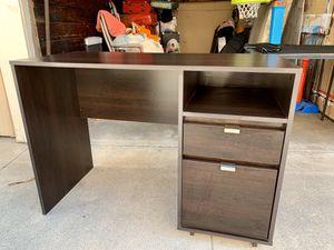 Desk for Sale in Glendale, CA