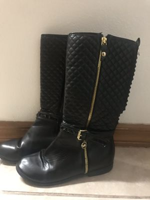 Girls Michael kors black boots. Size 4 for Sale in Spring Hill, FL