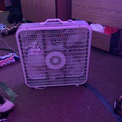 Fan for Sale in Lexington,  KY