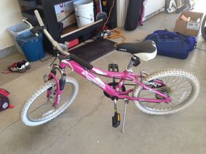 "20"" Girl's bike for Sale in Winchester, CA"