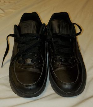 Mens 8.5 NIKE AIRMAX clean shoes for Sale in Bell, CA