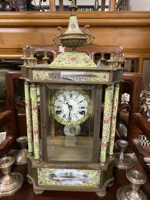 Antique clock for Sale in Bassett, CA