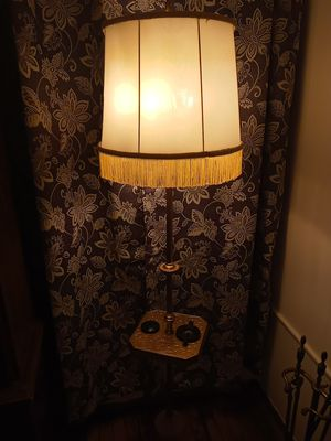Gorgeous vintage antique lamp for Sale in Martinsburg, WV