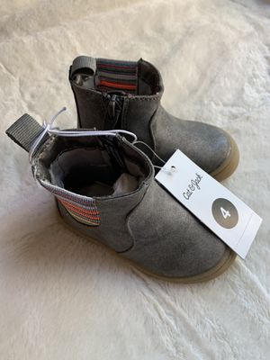 Cat and Jack Toddler Boots - Size 4 for Sale in Quincy, IL