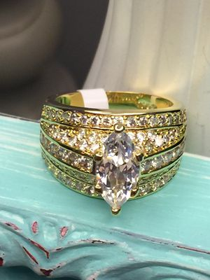 18k Gold Filled Engagement Wedding Solitaire Ring With Accent Clear Stone Size 7,8 for Sale in Nashville, TN