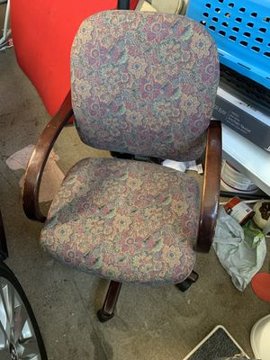 The creative office chair 12 for Sale in Lincoln, CA