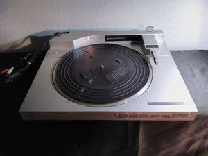 SONY: VINTAGE SILVER FULLY AUTOMATIC STEREO TURNTABLE SYSTEM for Sale in Austin, TX