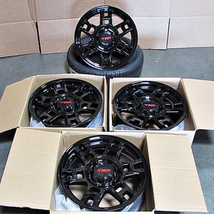 """Toyota trd atyle 20"""" new rims tires set for Sale in Hayward, CA"""