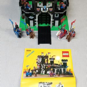 Lego Vintage 1988 Classic Knights Black Monarchs Castle 6085 for Sale in Anaheim, CA