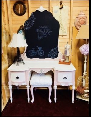 Makeup vanity for Sale in Marlborough, MA