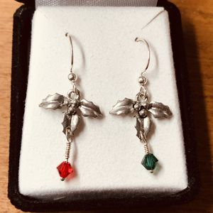 Sweet Little Holly Earrings for Sale in Cleveland, OH