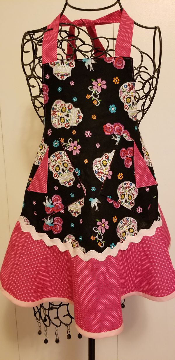 """Girl's """"lil sugar"""" Cooking/Activity Apron"""