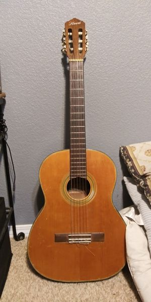 Guitar its a very good guitar but i just dont use it no more for Sale in Apple Valley, CA