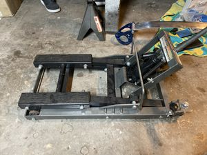 Motorcycle / atv jack / lift like new condition for Sale in Lewisville, TX