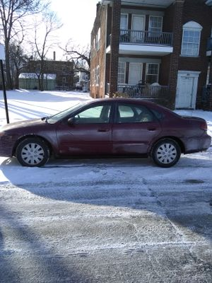 05 Ford Taurus SE for Sale in Cleveland, OH