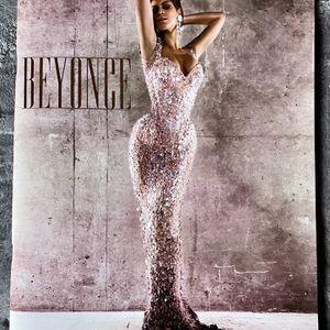 Beyoncé   I am Sasha Fierce LARGE Tour Book   2009 Tour for Sale in Glen Ellyn, IL