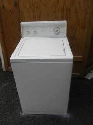 Whirlpool 24inch wide Large capacity Washer/ Whirlpool Electric Dryer in Excellent working condition. for Sale in St. Louis, MO