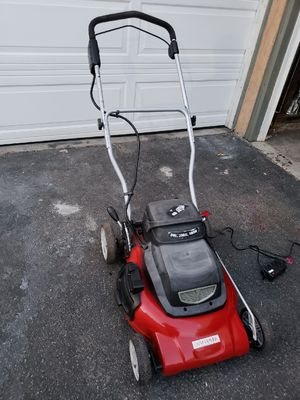Craftman lawn mower battery for Sale in Los Angeles, CA