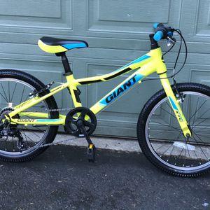 GIANT XTC JR 20 LITE KIDS BIKE for Sale in Issaquah, WA