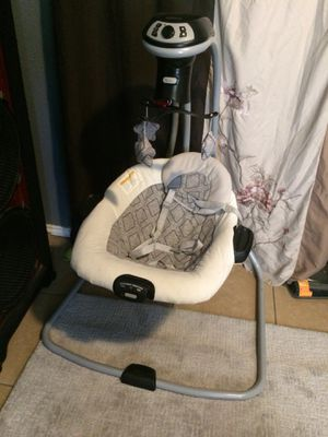 Graco baby swing for Sale in San Angelo, TX