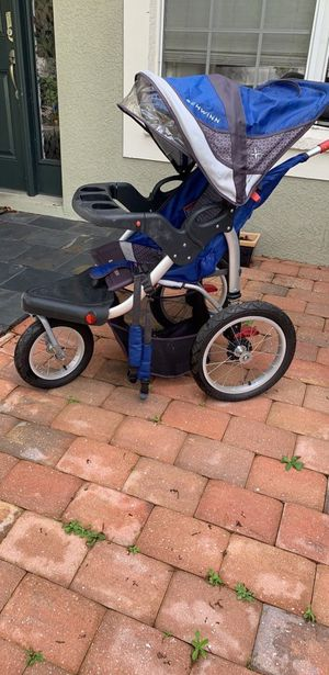 Schwinn jogging stroller for Sale in Tampa, FL