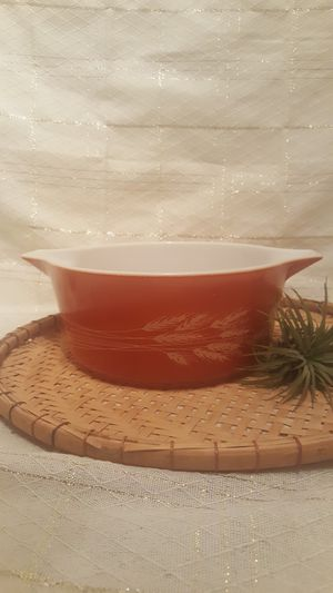 Vintage Pyrex 2.5 Quart Casserole Dish # 475-B Autum Wheat for Sale in Phoenix, AZ