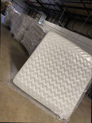 Discounted queen mattress YNU4 for Sale in West Covina, CA