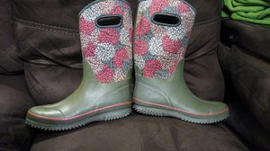 Rain/mud boots size 9 for Sale in Hermon, ME