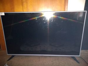 50 inch TV cracked screen $80 for Sale in Tacoma, WA
