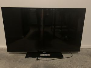 50 inch Samsung TV with Wall Mount for Sale in Atlanta, GA