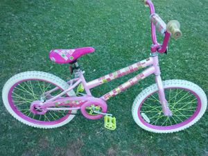20 inch girls bike for Sale in Avondale, AZ