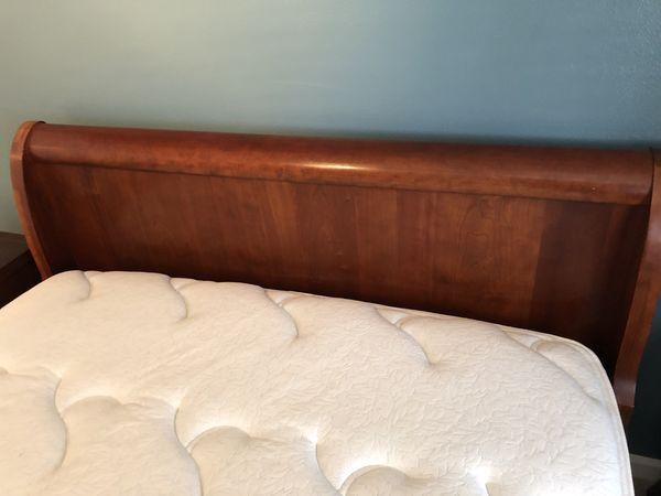 Ethan Allen cherry wood sleigh bed (Queen)