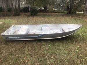 12ft fishing boat for Sale in Lilburn, GA
